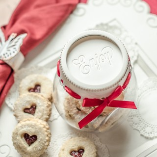 Raspberry Linzer Tarts… and Finding Your Passion