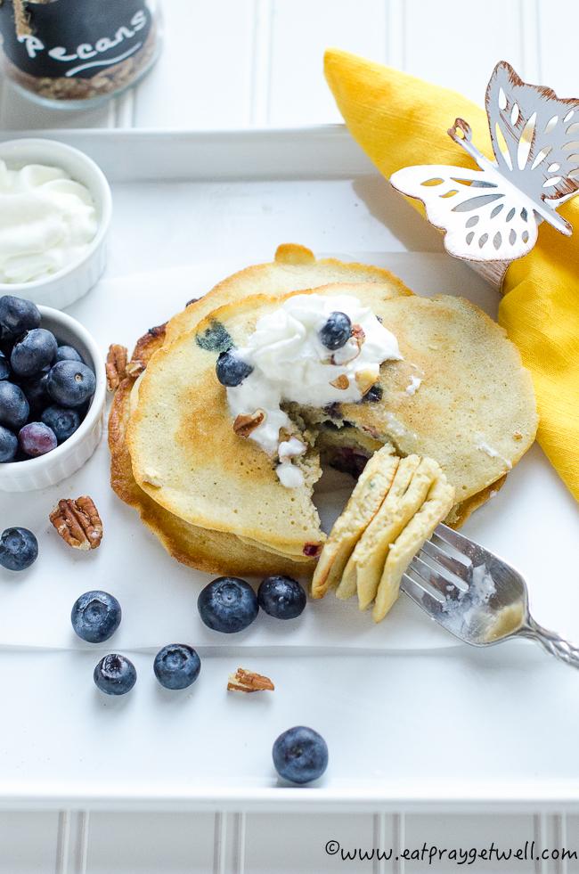 wheatfree blueberry pancakes2